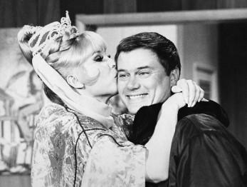 Barbara_Eden_Larry_Hagman_I_Dream_of_Jeannie_1969