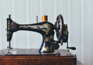 sewing-machine-pexels-photo-111147