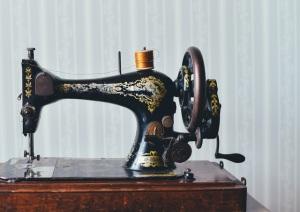 sewing-machine-pexels-photo-111147